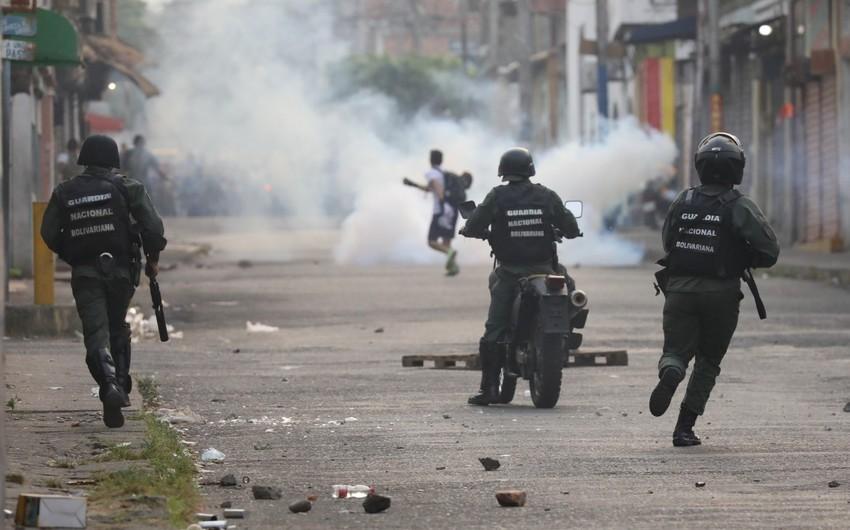 Venesuelada iğtişaşlar zamanı 25 nəfər ölüb