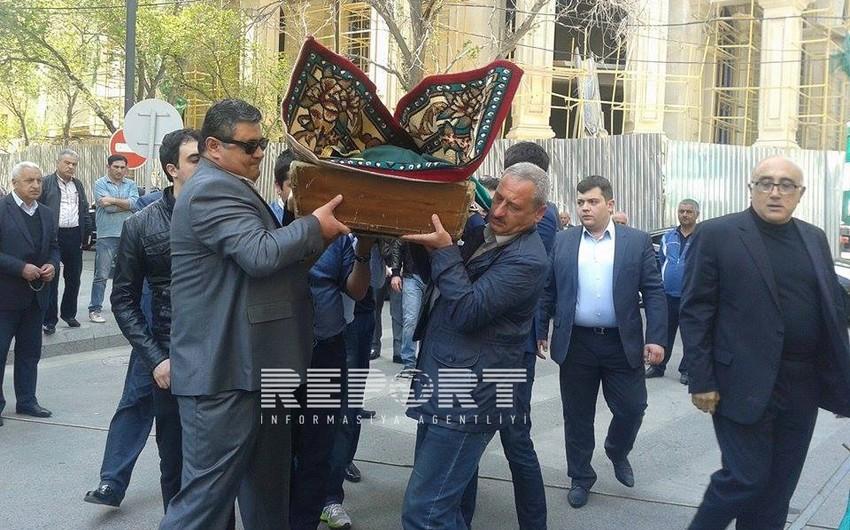 Состоялись похороны Вафы Гулузаде