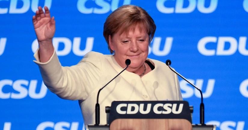 Angela Merkelin şərəfinə qızıl sikkə hazırlanıb