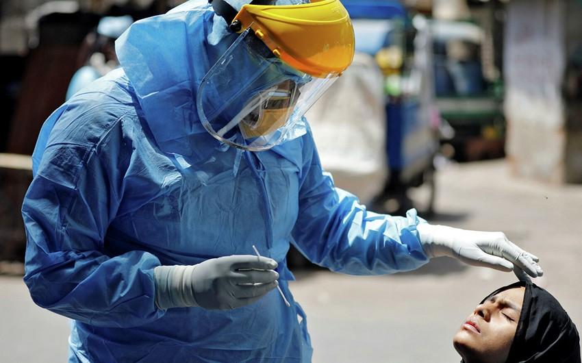 Hindistanda koronavirusa yoluxanların sayı 2 milyonu ötdü