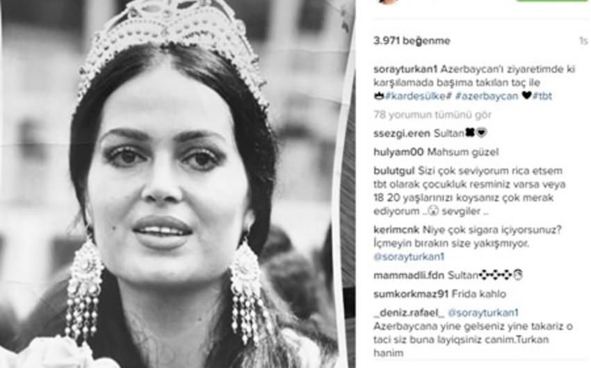 Türkan Şoray Azərbaycanda başına qoyulan tacla fotosunu paylaşıb - FOTO