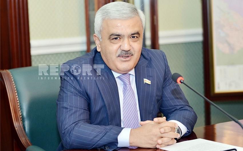 Rövnəq Abdullayev: Azərbaycan İrana investisiya qoymaqda maraqlıdır