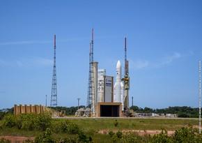 Запуск Ariane 5 с тремя аппаратами на борту отложили
