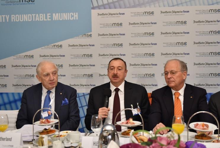Ильхам Алиев принял участие в «круглом столе» на тему «Стратегии диверсификации» в Мюнхене