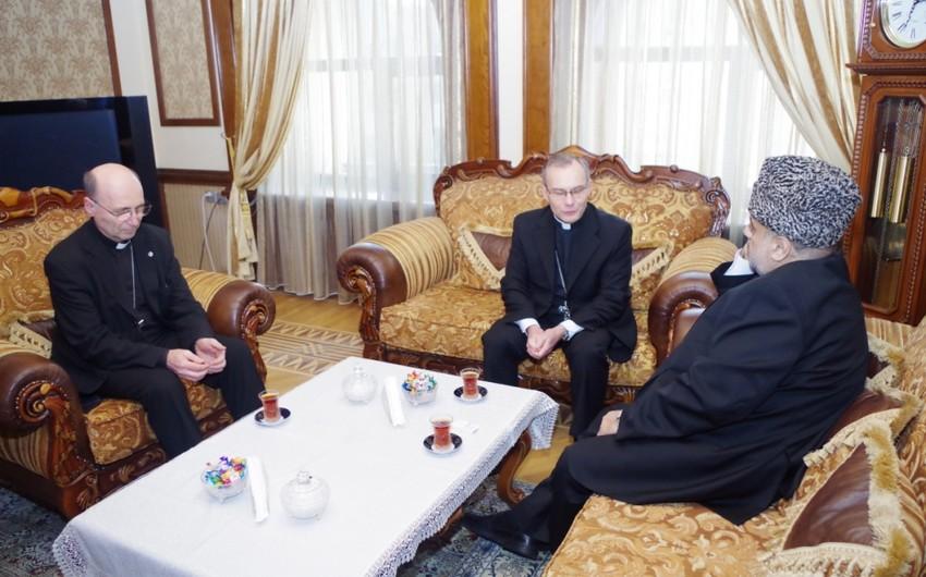 Şeyxülislam Allahşükür Paşazadə Vatikanın Cənubi Qafqaz üzrə elçisini qəbul edib