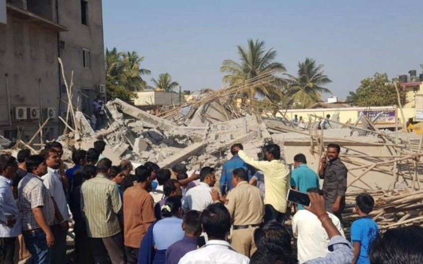 Hindistanda bina uçub, 40 nəfər dağıntı altında qalıb