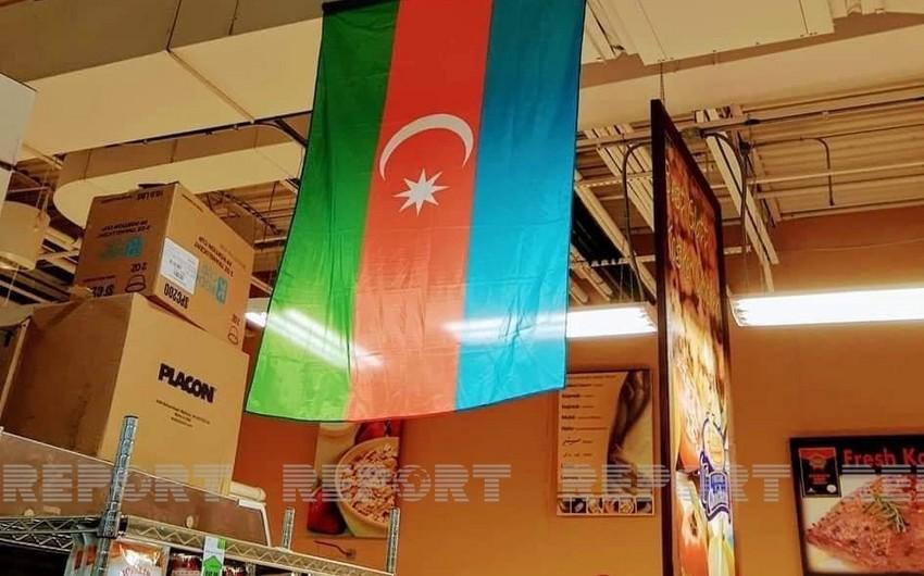 ABŞ-ın məşhur supermarketlər şəbəkəsində Azərbaycan bayrağı asılıb