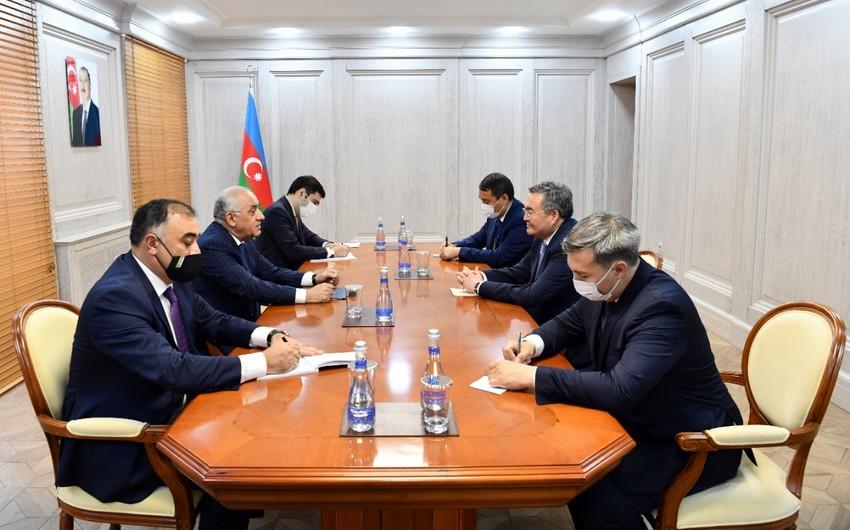 Ali Asadov meets with Deputy Prime Minister of Kazakhstan
