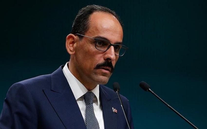 Türkiyə Prezidentinin sözçüsü: Fransa dövlət başçısının qərarı siyası yalandır
