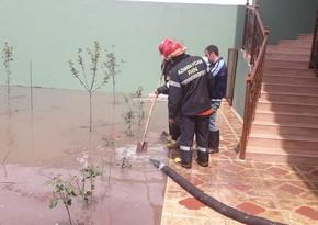 МЧС продолжает работы по откачке воды в Шамкире