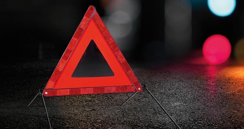 Дашкесане легковой автомобиль врезался в грузовик, есть пострадавший