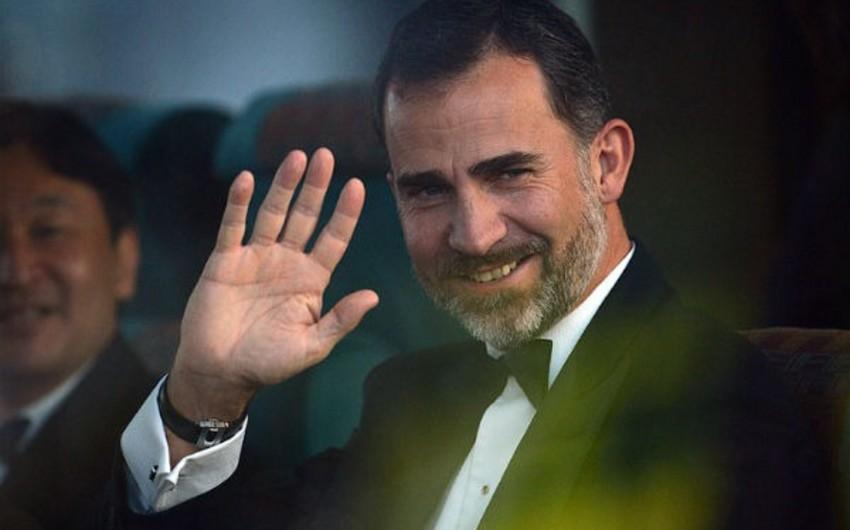 İspaniya kralı parlamenti buraxıb