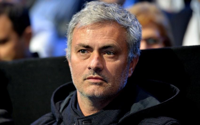 Mourinyo derbinin baş hakimini tənqid etdi