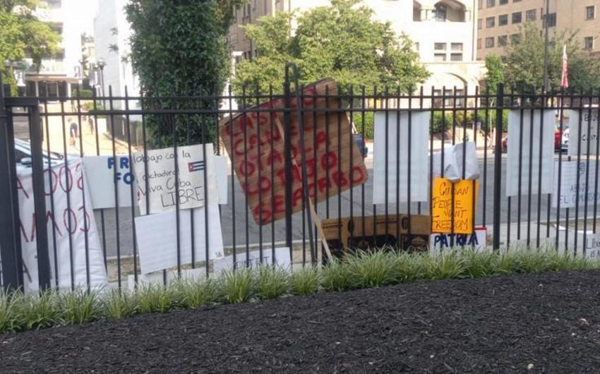 Kuba XİN: Vaşinqtondakı səfirliyimiz mühasirəyə alınıb