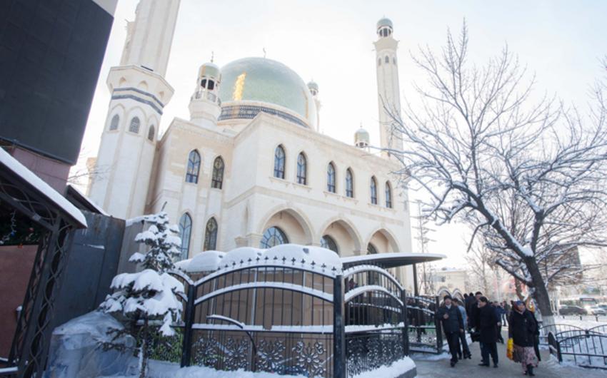 Almatıda kazinonun yerində məscid inşa olunub