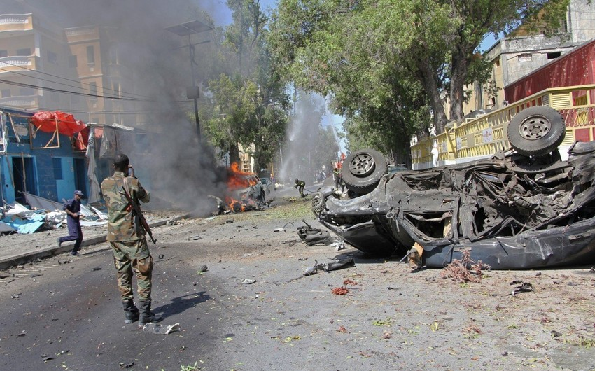 Somalidə iki nazirlik binası qarşısında partlayış baş verib: 6 ölü, 10 yaralı
