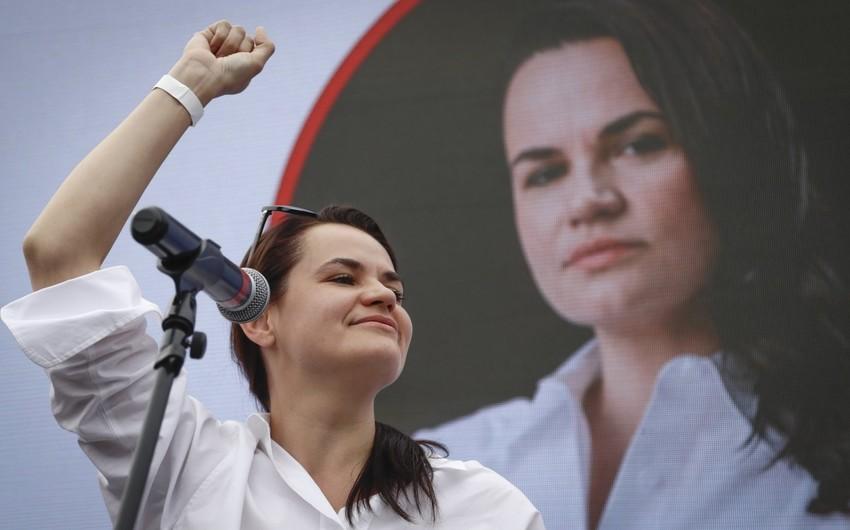 """Tixanovskaya """"dinc inqilab""""ın başladığını elan etdi"""