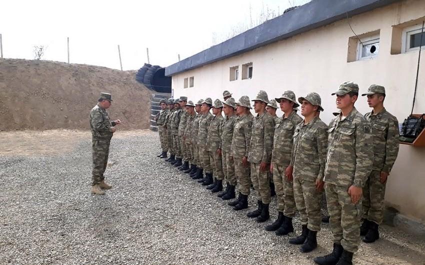 Azərbaycan ordusunun cəbhəboyu zonada yerləşən bölmələrinin döyüş hazırlığı yoxlanılıb
