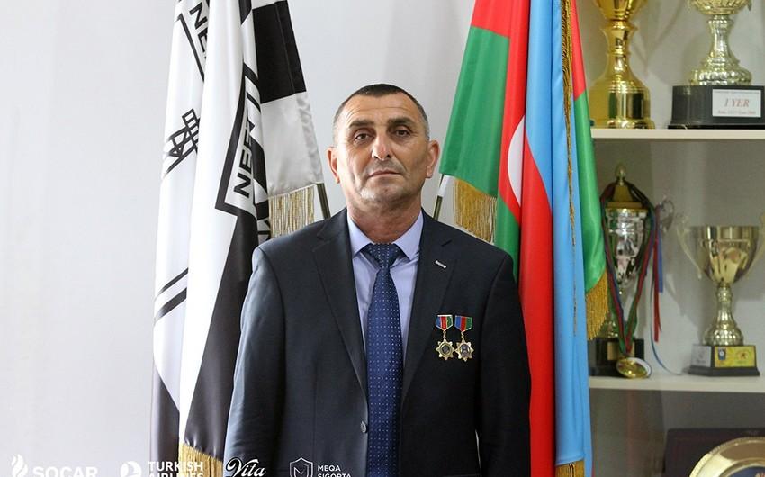 """Neftçinin məşqçisi Milli Ordu-100"""" medalı ilə təltif olunub"""