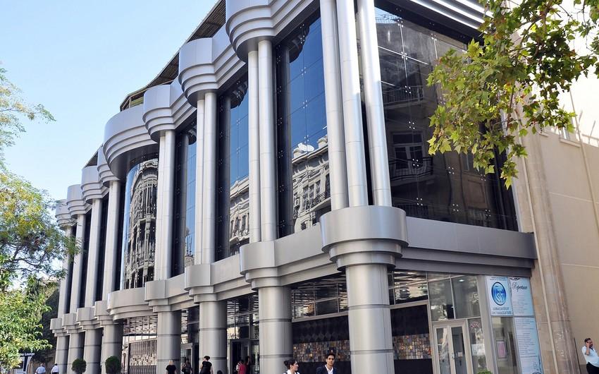 Gənc Tamaşaçılar Teatrının kollektivi Kalmıkiyadan qastrol səfərindən qayıdıb