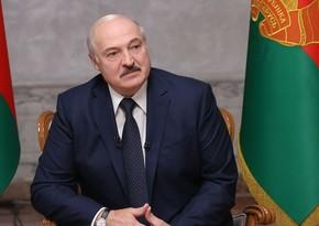 Lukaşenko COVID-19-a qarşı peyvənd vurdurmayacaq