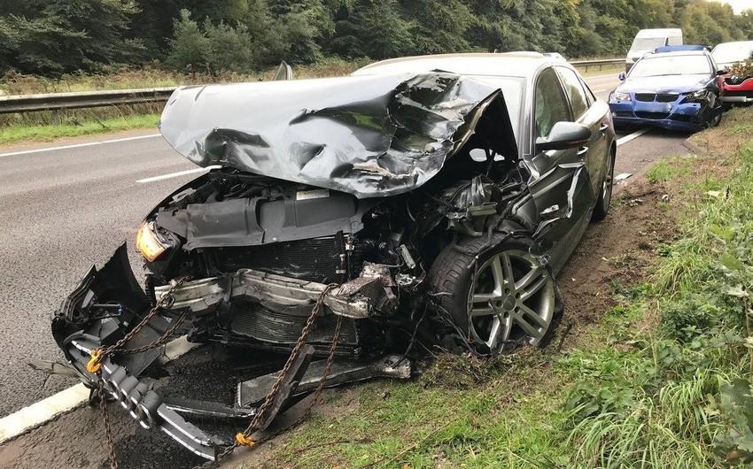 Tərtərdə iki avtomobil toqquşdu, sürücü öldü