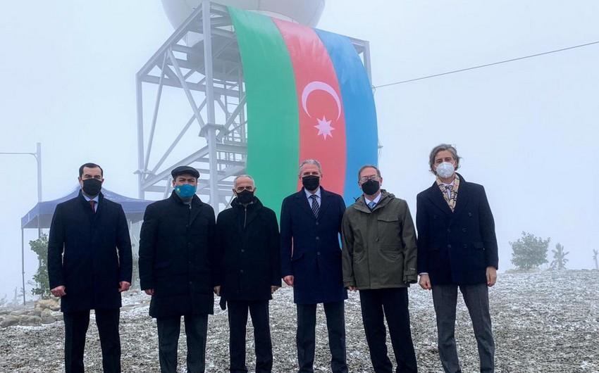 Azərbaycanda regionda ilk olan yeni meteoroloji radarlar quraşdırılıb