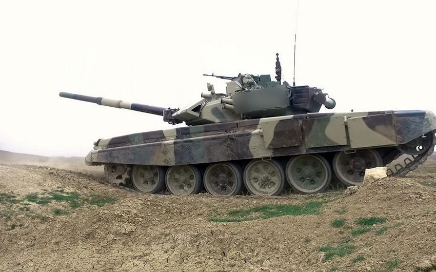 Tank heyətlərinin döyüş hazırlığı yoxlanılır - VİDEO