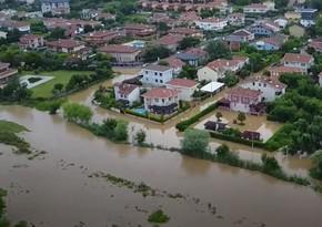 Стамбул затопило после сильного ливня - ВИДЕО
