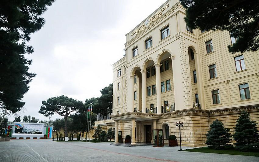 Azerbaijani Defense Minister offers condolence to Turkey