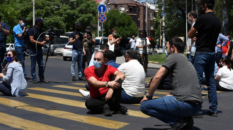 """Yerevanda """"bit bazarında"""" etiraz aksiyası keçirilib"""