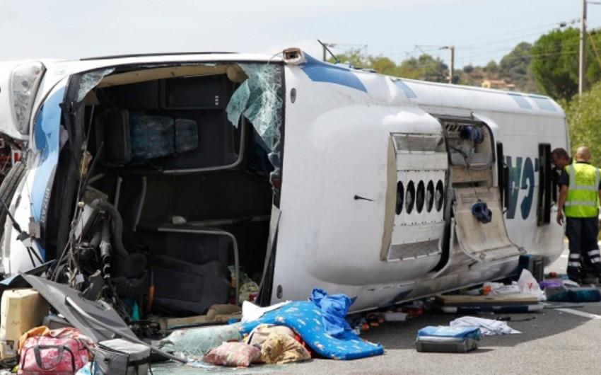 Küveytdə iki avtobus toqquşub, 15 nəfər ölüb, 4-ü yaralanıb