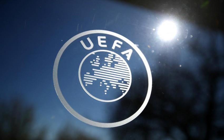 UEFA Reyncersi azarkeşlərinə, Seltiki oyuna gecikdiyinə görə cərimələdi