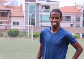 Afrikalı futbolçu Türkiyədə aldadıldı