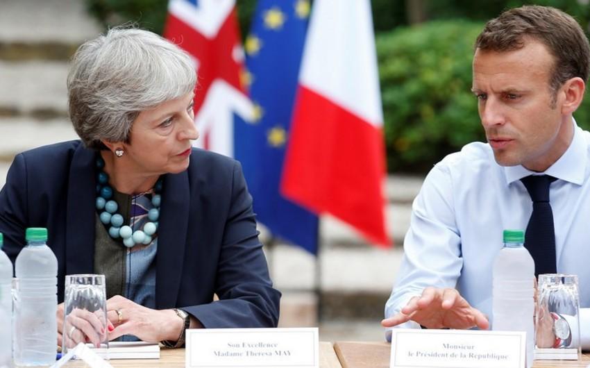 Mey və Makron Fransada brexit problemini müzakirə ediblər