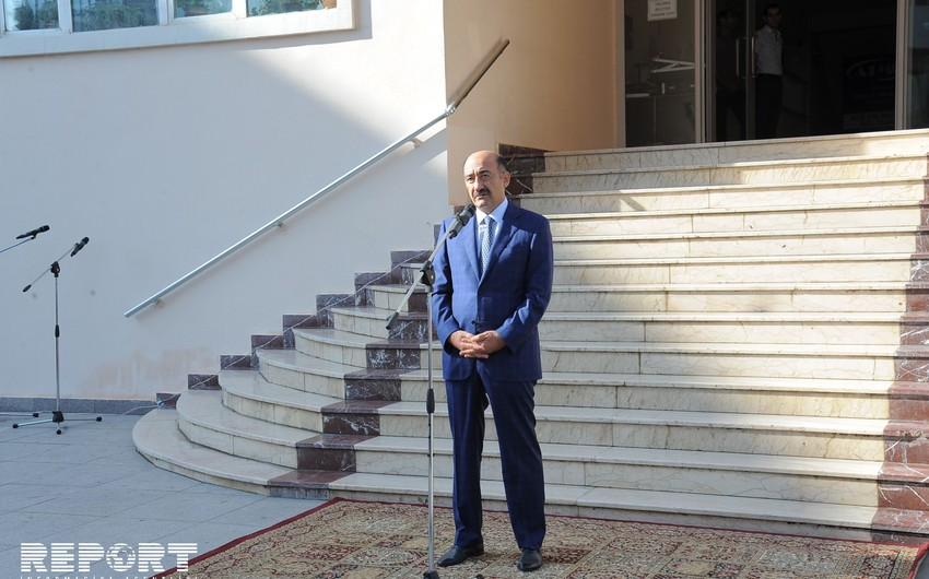 Абульфас Гараев: Приезжающие в Азербайджан туристы часто не могут найти места в отелях
