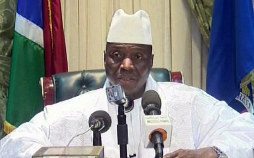 Qambiyanın sabiq prezidenti ölkəni tərk edib