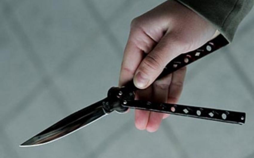 Bakıdakı məktəblərdən birinin yaxınlığında bıçaqlanma hadisəsi olub