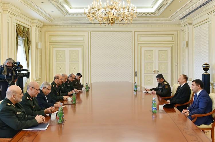 Президент Азербайджана принял министра обороны Ирана