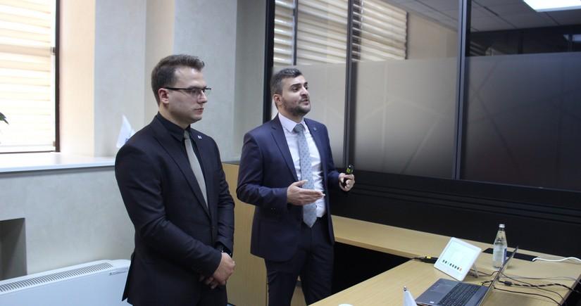 """""""AzInTelecom"""" media nümayəndələrinə bulud texnologiyaları haqqında təlim keçib"""
