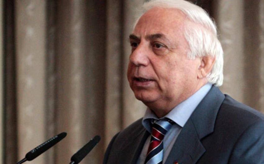 Председатель парламентского комитета: Нам следует распрощаться с достигшими пенсионного возраста чиновниками, которые просто проводят время