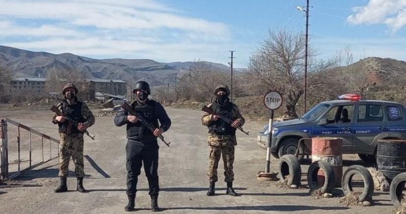 Azad edilmiş ərazilərə qanunsuz keçmək istəyən 100 nəfər həbs edilib