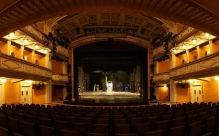Avstriyada bomba xəbərinə görə teatrdan 850 tamaşaçı təxliyə edilib