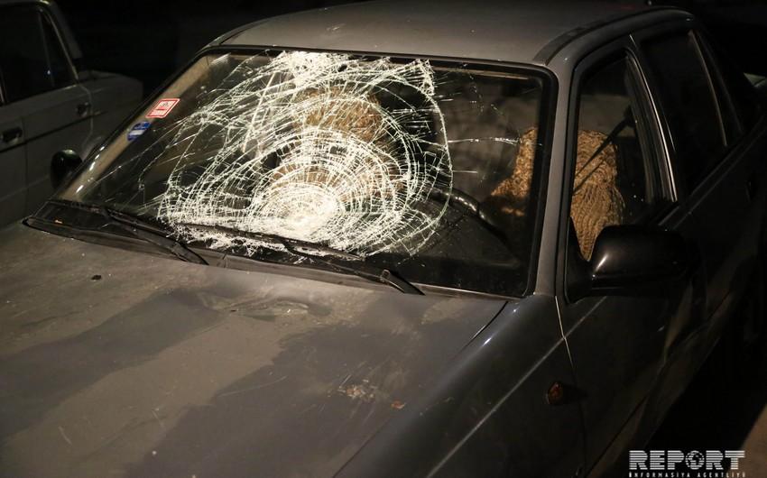 В Баку автомобиль сбил мужчину средних лет