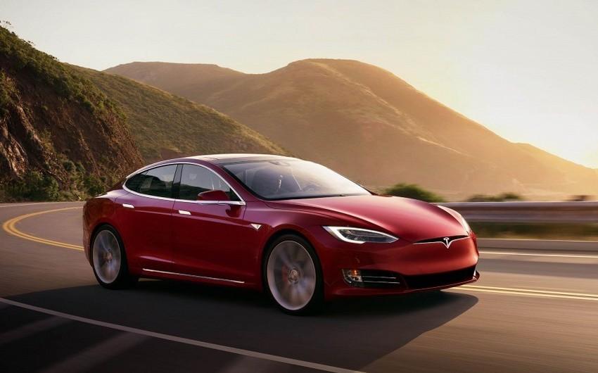 Tesla ötən ay Çində rekord həddə avtomobil satıb