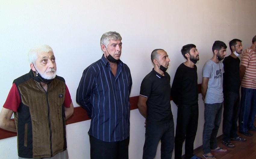 Polis əməliyyatlar keçirib, narkotik satan daha 7 nəfər saxlanılıb