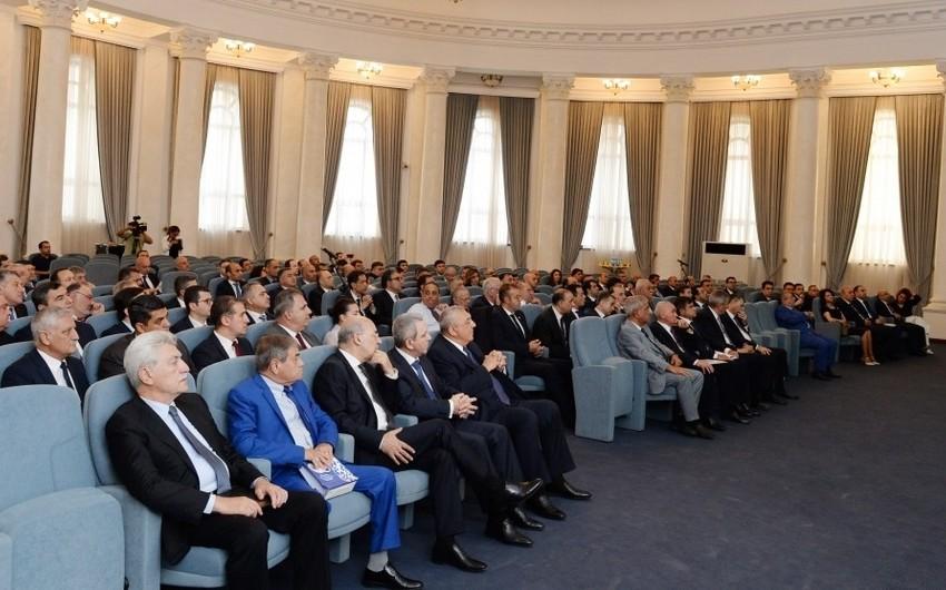 Diplomatik xidmət orqanları rəhbərlərinin VI müşavirəsinin iştirakçıları Prezident İlham Əliyevə müraciət ünvanlayıblar
