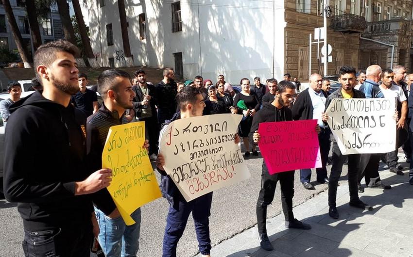 Азербайджанцы Грузии проводят в Тбилиси акцию протеста - ФОТО