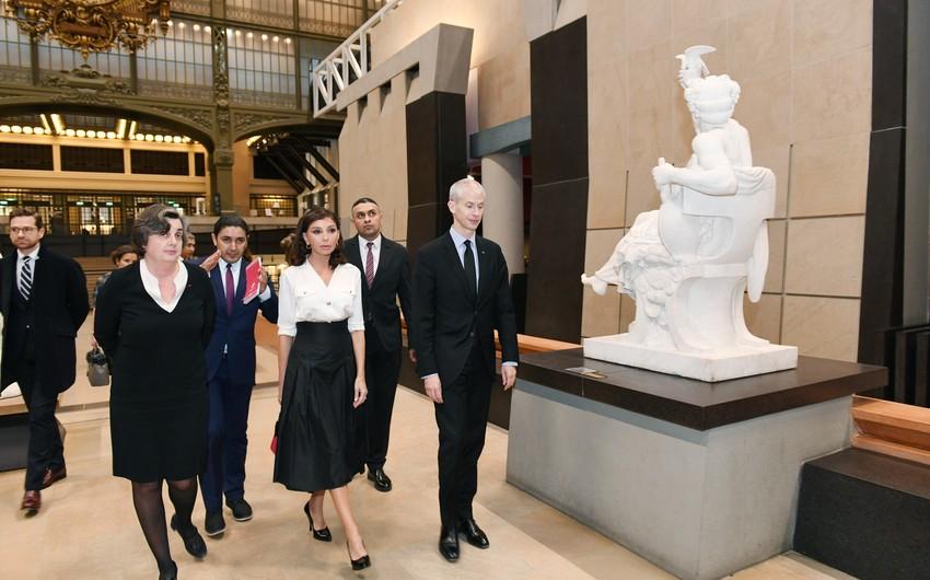 Mehriban Əliyeva Fransanın Orsey muzeyini ziyarət edib