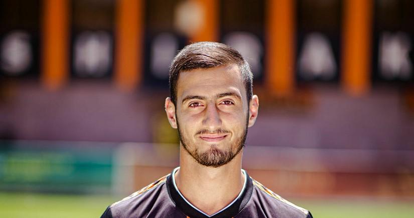 Komada olan erməni futbolçu ölüb